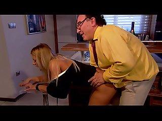 Mit dem alten Chef gefickt - Junge Sekretärin