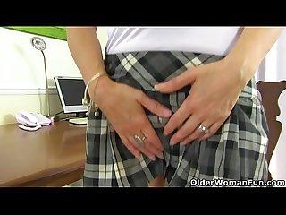 British milf gemma gold fingers her arse