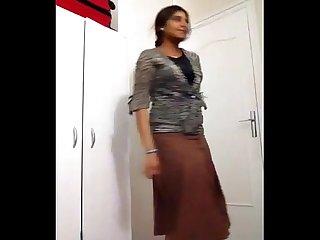 Tamil pundai