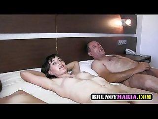 La hija follando con Su padre y Su madre brunoymaria