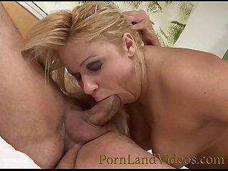 italian blonde bitch taking cock in big ass