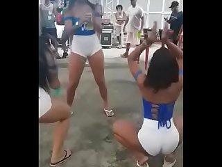 Novinhas safadas se pegando no kabanna do catonho rj