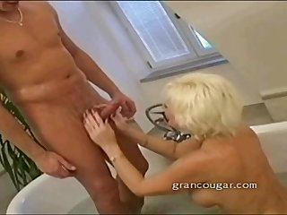 Older babe big tits and oral sex to help her sore hip