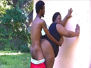 Big shemale juicynikki loves the outdoors