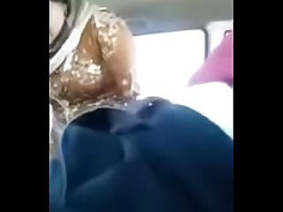 Muslim lover fucking hard in car sex in car paki Bhabhi