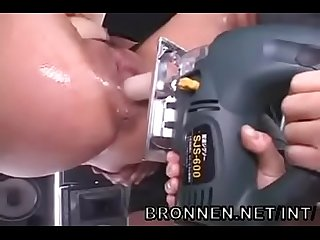 Japanese Girl extreme bdsm rough sex and squirting bronnen net int