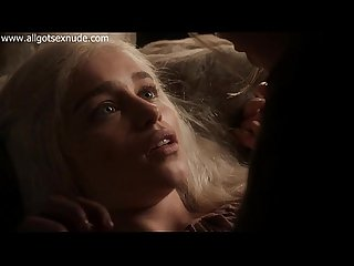 Daenerys Targaryen (Emilia Clarke) in lesbian scene of Game Of Thrones