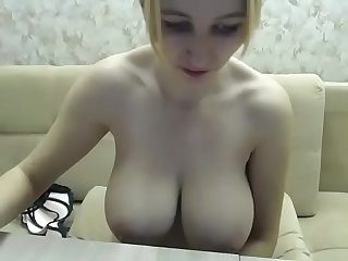 Incredible big tits amateur girl