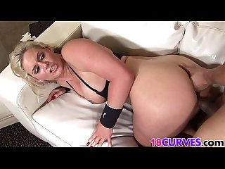 Curvy blonde babe gets fucked
