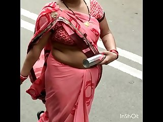 TEMPTING SMALL NAVEL ON ROAD