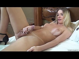 Brazilian shemale taissi fontini stroking jerking off and cuming