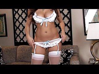 Taylor Vixen HD in Lingerie Rubs Pussy