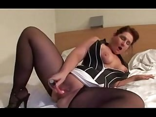 Manuela s mature Milf in open hose toys and fucks
