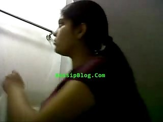 Desi girl showing tits and pussy in bathroom