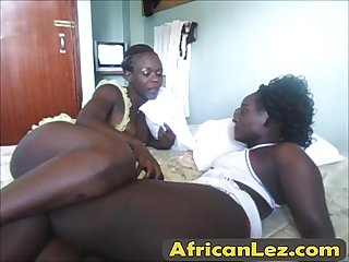 African hot girlfriend lesbian making love