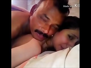 Gand me lund lekar Bhabi ne kiya new year ka welcome watch the painful pleasure of anal on her face