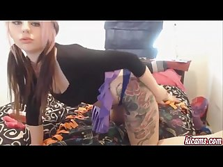 Sexy euro girl does a nasty camshow