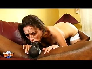 Iron throat Amber rayne