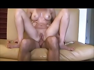 Wife spreads reverse anal on vacation for cumshot