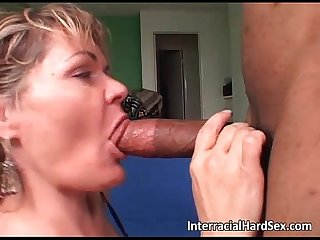 Overwhelming blonde milf squirts