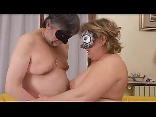amateur mature couple loves to fuck and to be filmed