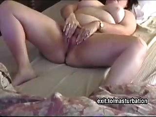 Bbw mom cums with fingers and her toys