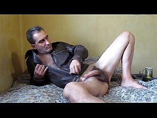 Sexy hairy gay otter shows off on cam bestgaycams xyz