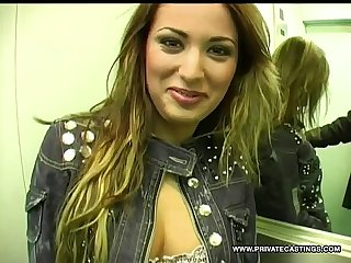Romanian regina has a great pair of tits and a nice wet pussy