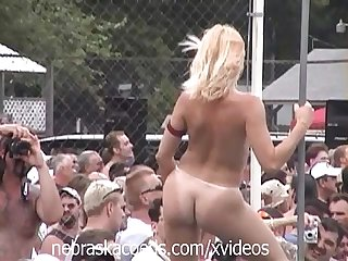 Random nudes a poppin festival video clip part 1