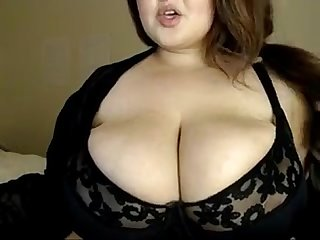 Big titted girl playing with her boobs - Mods2016.com