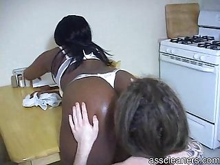 Lazy white man is smothered by fart as he�s punished by ebony mistress
