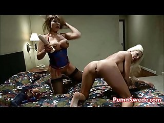 Pizza delivery girl puma swede fucks ava with strapon