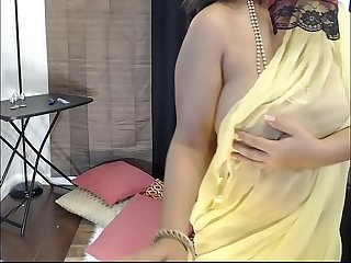 Amateur Desi wife fucking on webcam