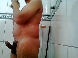 Novinho tomando Banho pelado