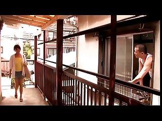 Ama de casa japonesa se ve obligada por el vecino completo bit ly 2q9u8me