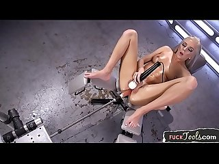 Squirting machine beauty enjoys dildoing
