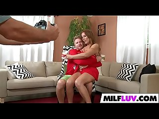 rood Hot MILF Nicky Ferrari