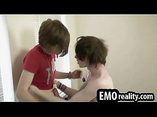 Young emo twinks kissing and touching before some hot blowjobs