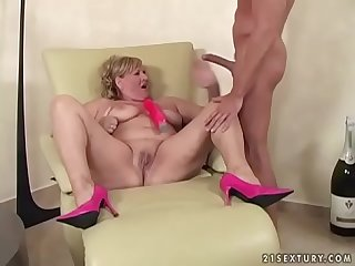 Dirty grandma loves hard cock