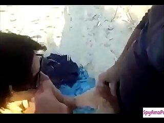 Faccio scopare mia moglie da degli sconosciuti in spiaggia