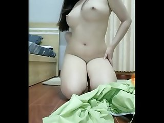 Khmer girl show sexy body