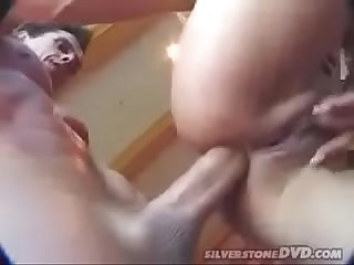 Desi girl being fuck by indian bf with moaning...