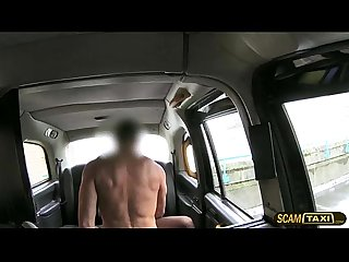New cabby fucks his hottie passengers pussy on his taxi