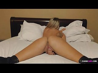 Cute combocams com girl pussy rubbin in bed