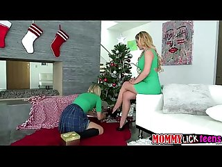 Mom cherie gives zoey a lesbian lesson for this coming holiday