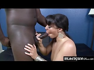 Big ass slut Kendra Star interracially stuffed with BBC