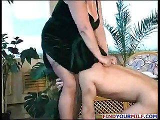 Russian mature mother louisa