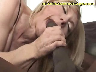 Interacial cougar cock ride