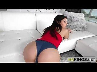 Valentina nappi shows her perfect bubble butt