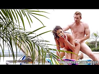 Brazzers - Trophy wife August Ames fucks pool-boy